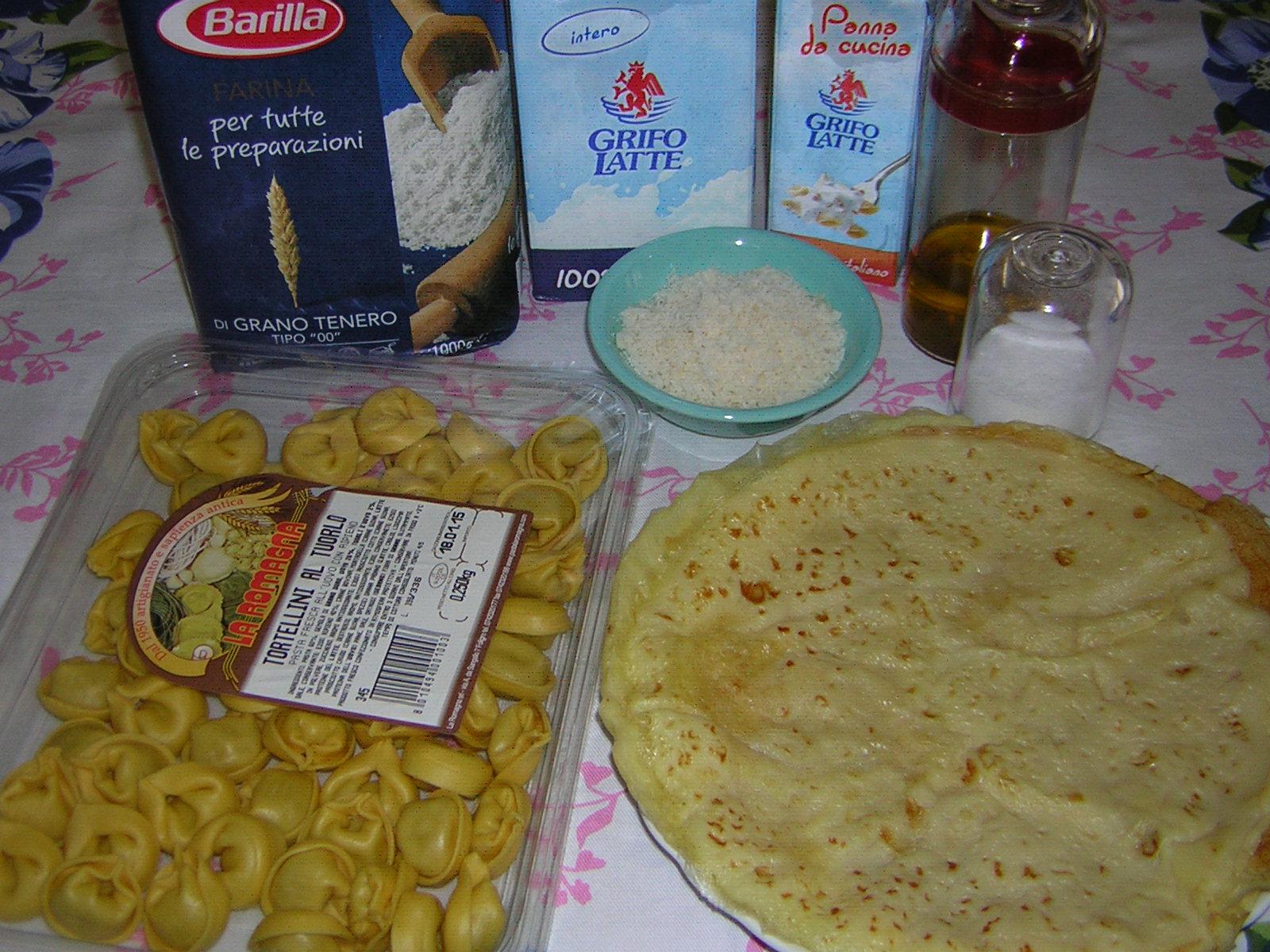 ingredienti per le crepes ripiene di tortellini