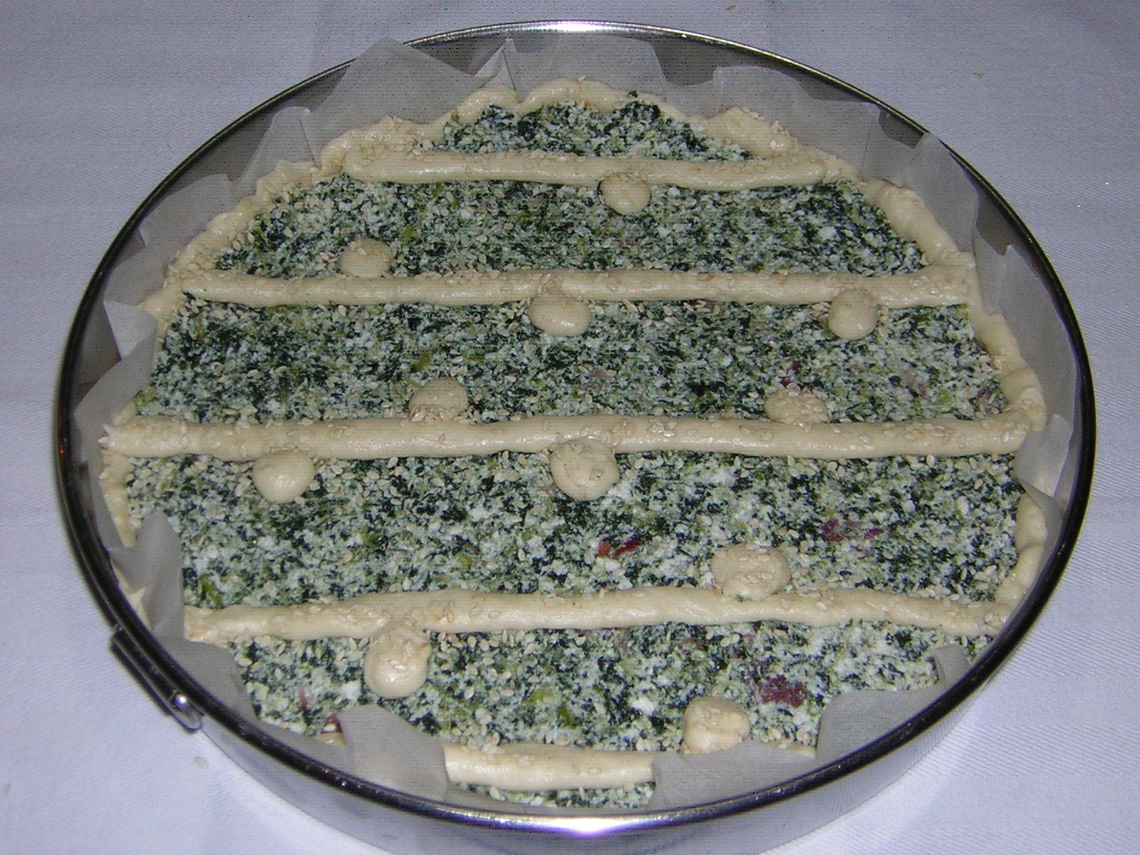 crostata ricotta speck e spinaci pronta per la cottura