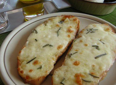 Bruschetta mozzarella e rosmarino