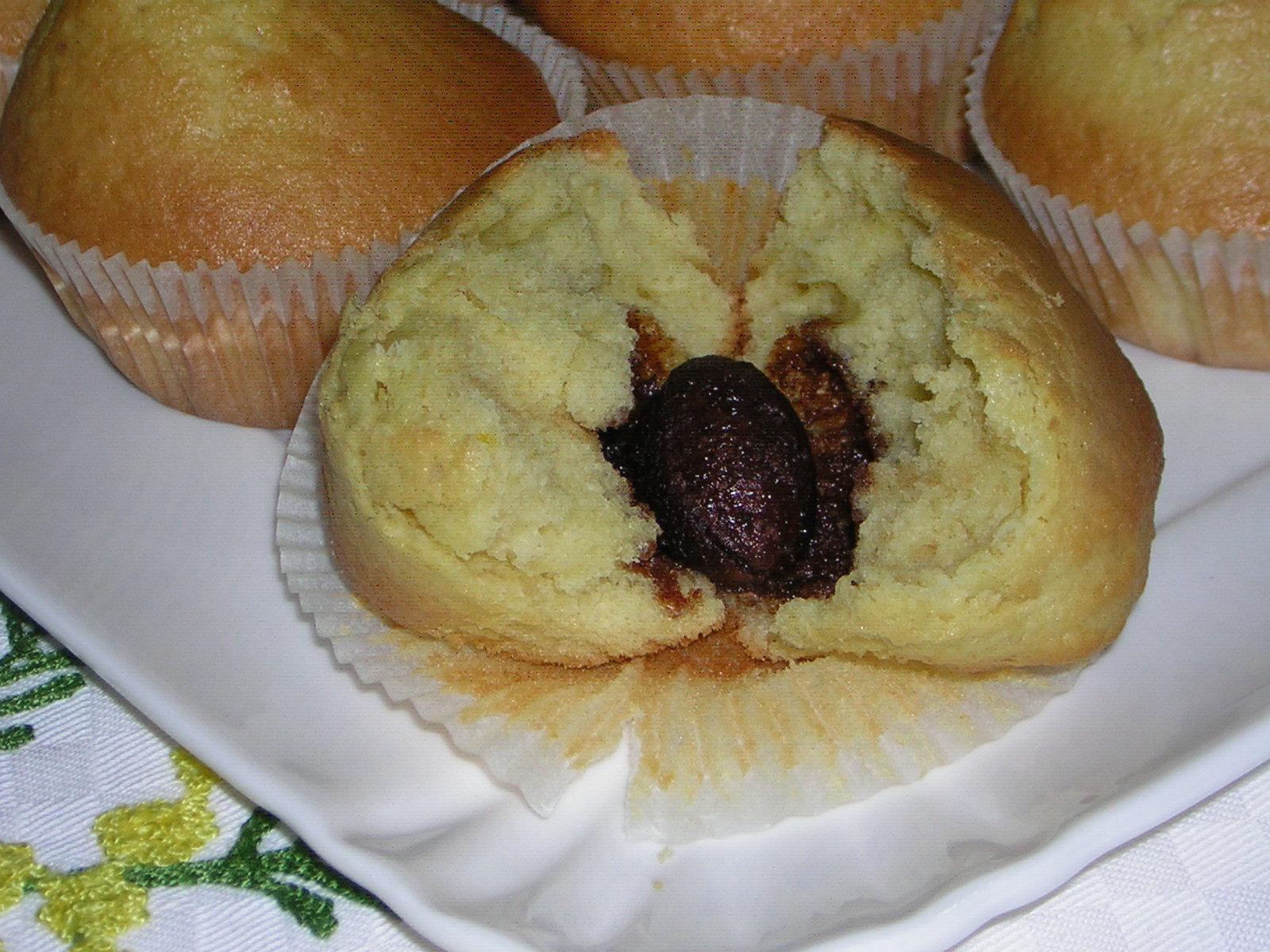 muffin di pasqua con ovetto all'interno