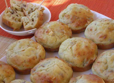 Muffin con ricotta e noci