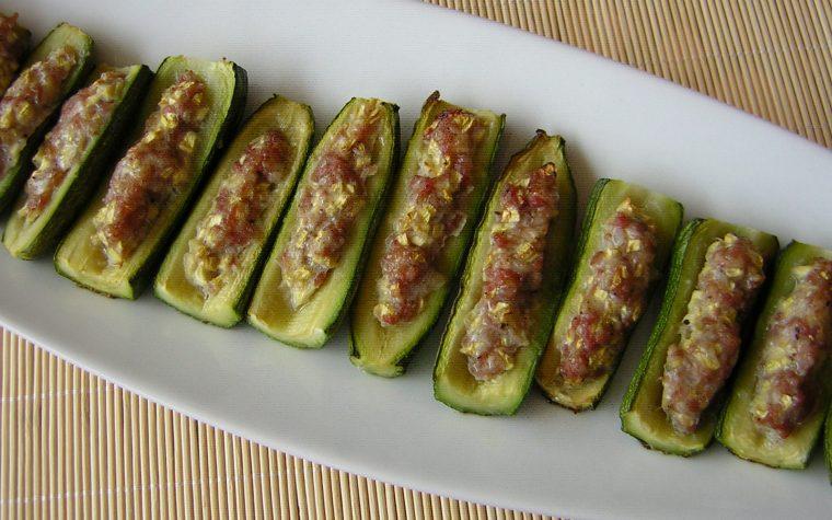 Zucchine al forno con salsiccia
