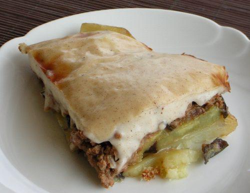Moussaka piatto tradizionale greco