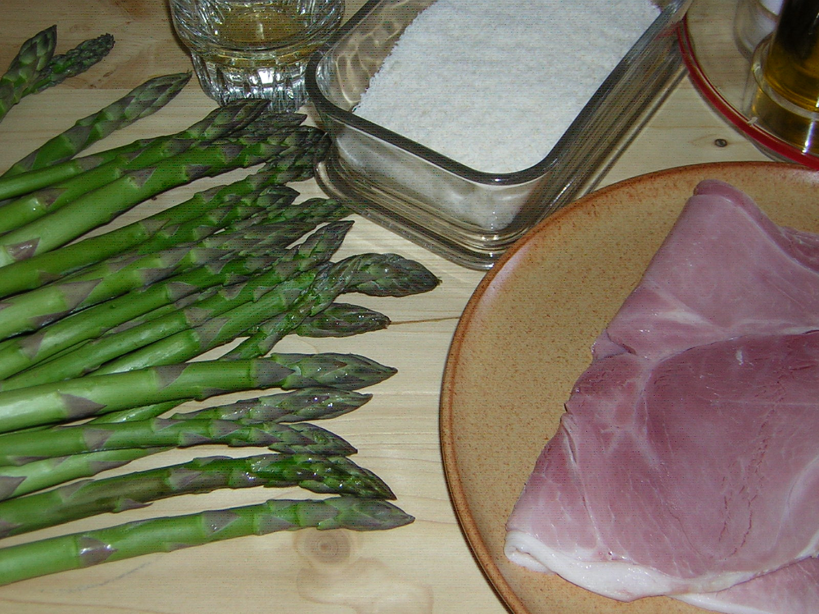 ingredienti per fare gli asparagi gratinati