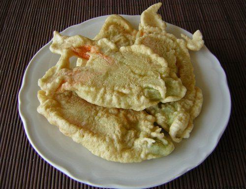 Fiori di zucca fritti croccanti