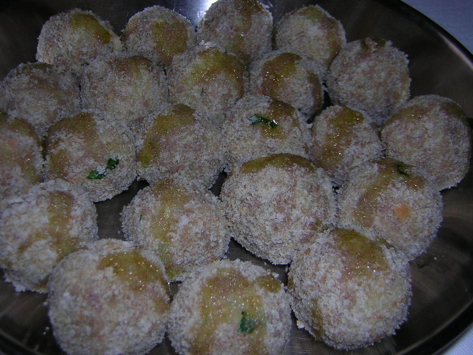 preparazione delle polpette di bollito e patate
