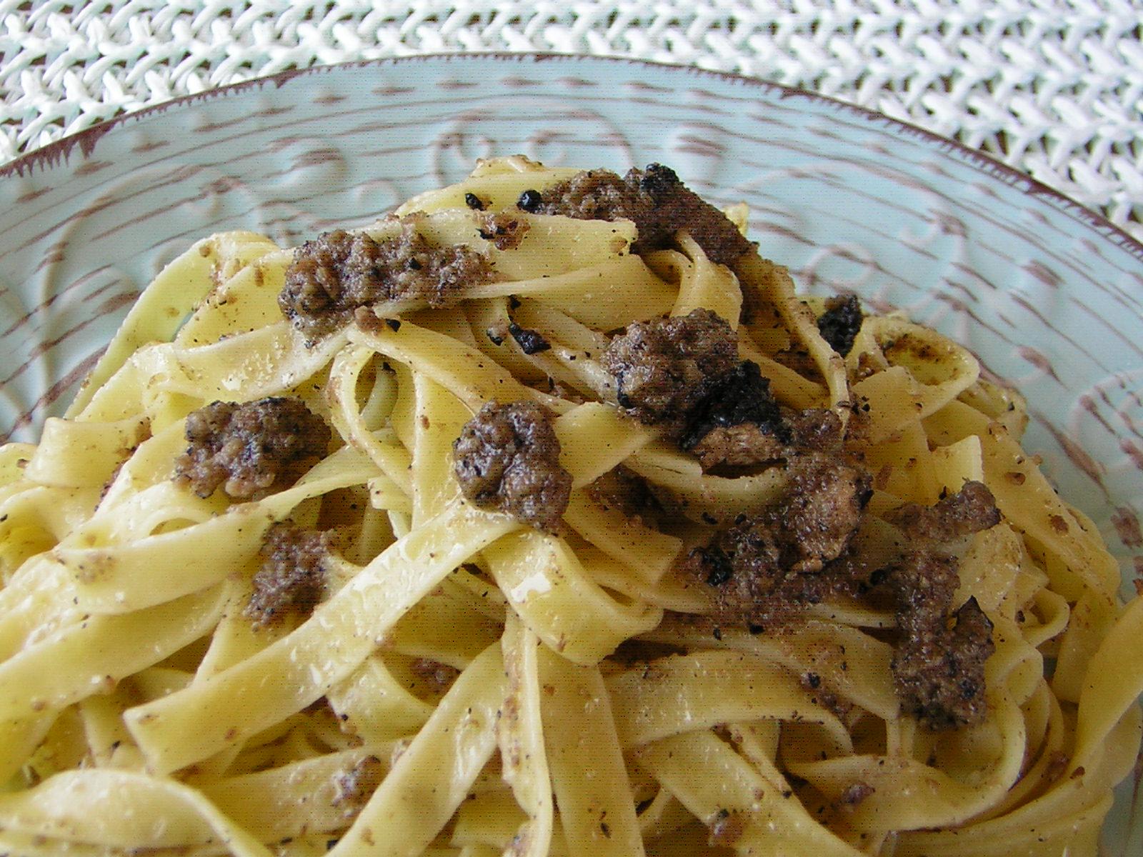 TAGLIATELLE AL TARTUFO NERO DI AVELLINO | cucinare.it