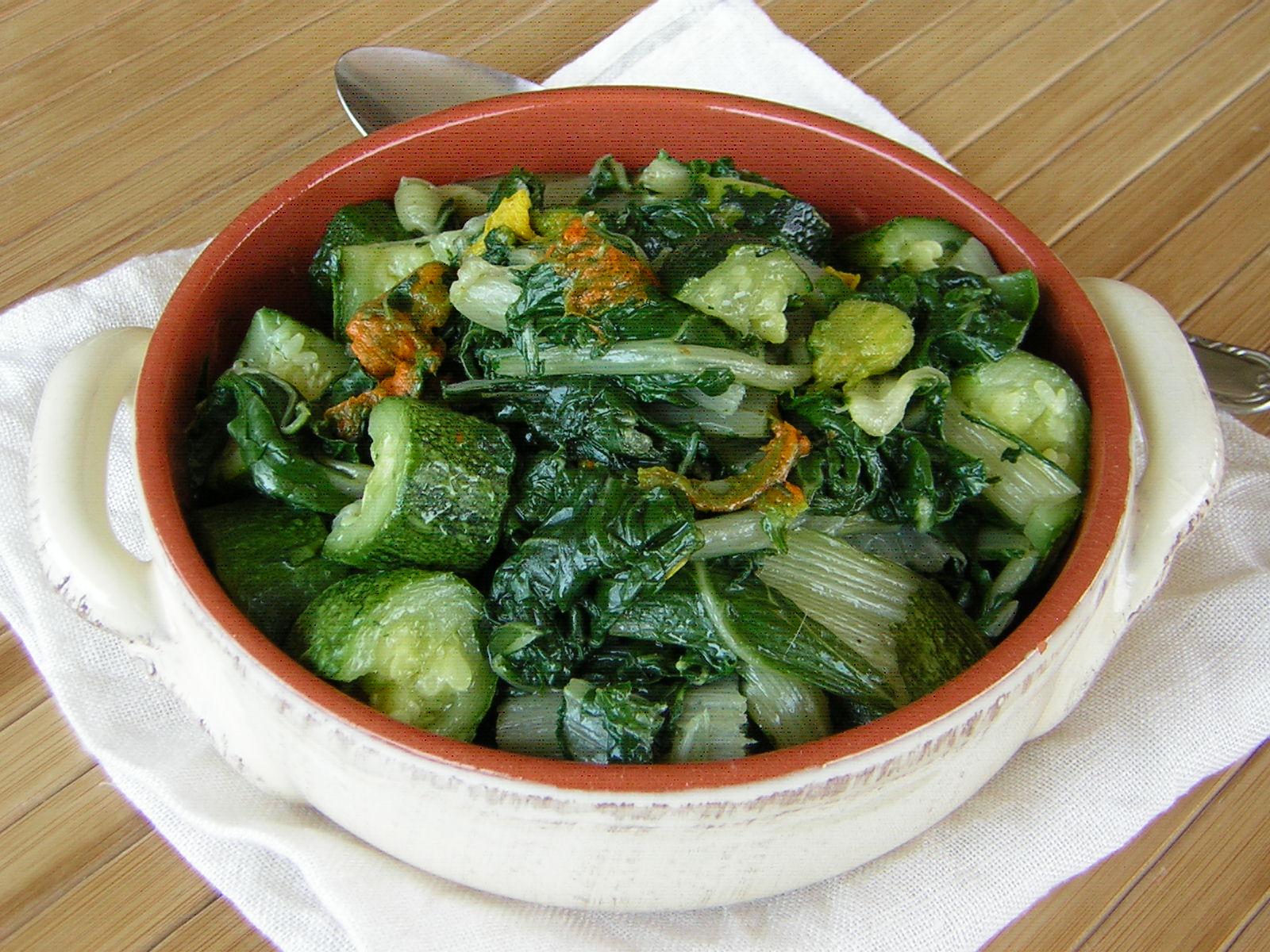bietola con zucchine e fiori di zucca