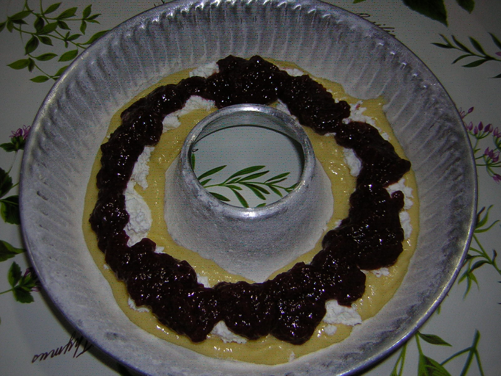preparazione della ciambella con ricotta e marmellata