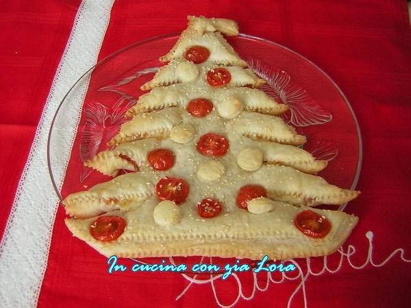 torta albero di natale di pasta sfoglia
