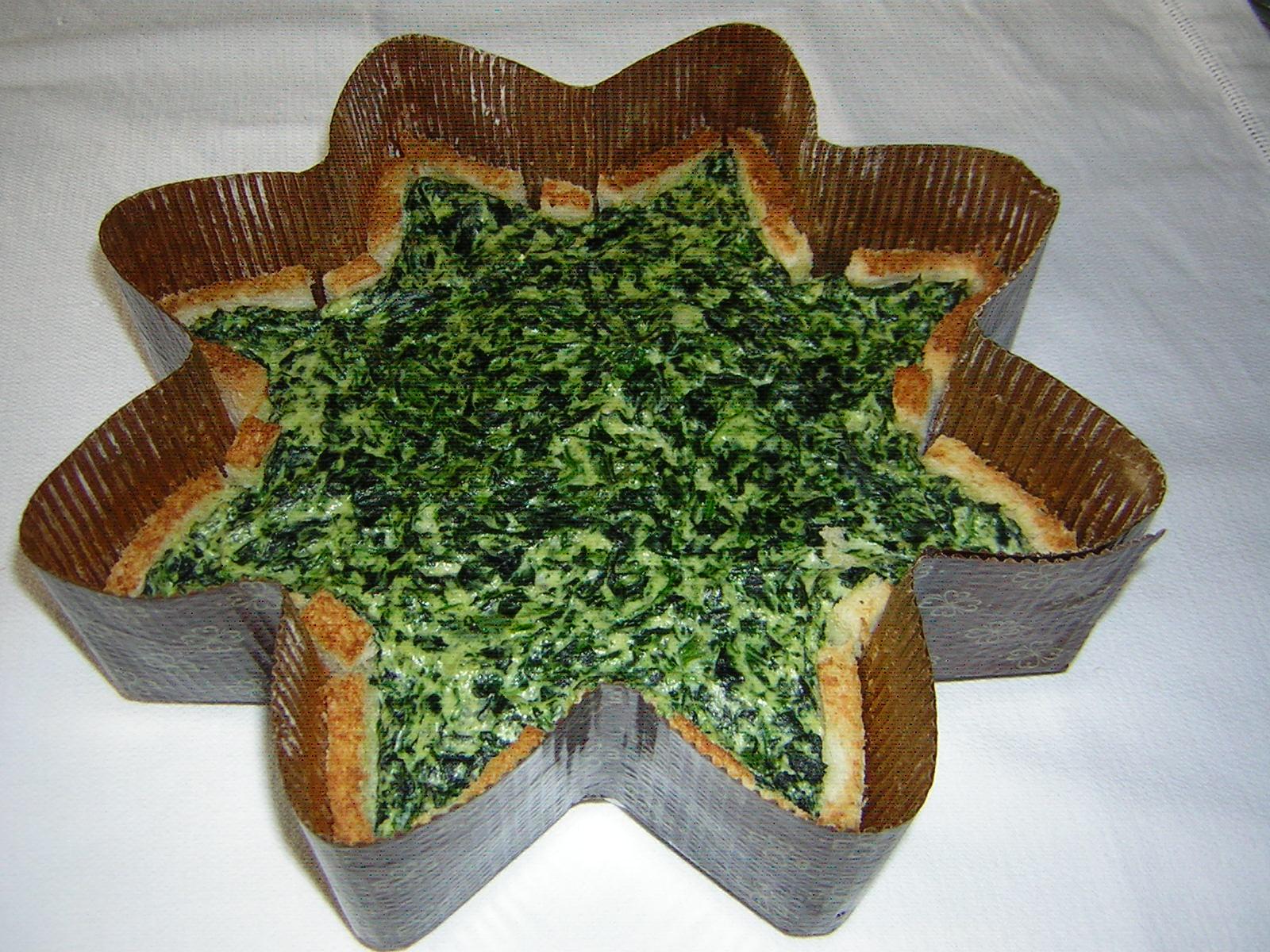torta stella salta ricotta e spinaci appena sfornata