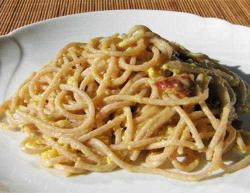Carbonara di spaghetti di farro