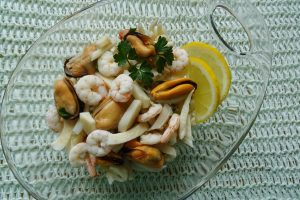 Insalata di mare con tre ingredienti