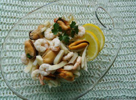 Insalata di mare con tre ingredienti