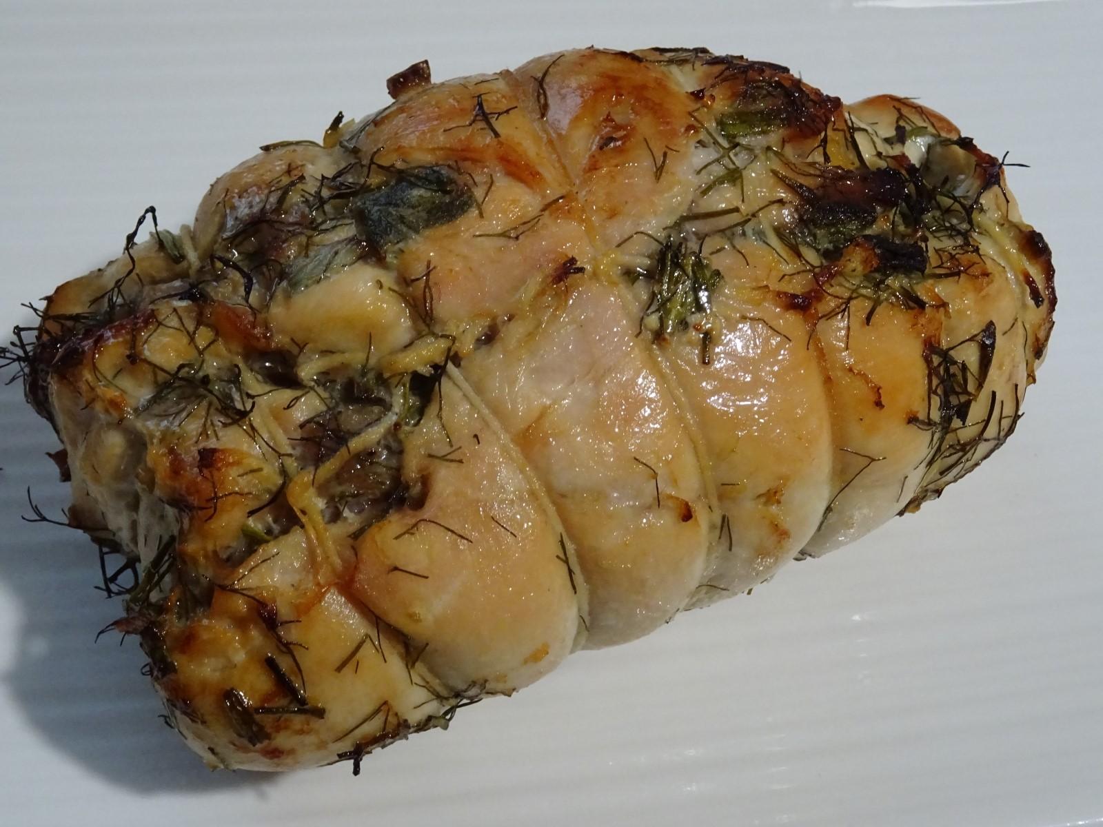 petto di pollo in porchetta appena sfornato