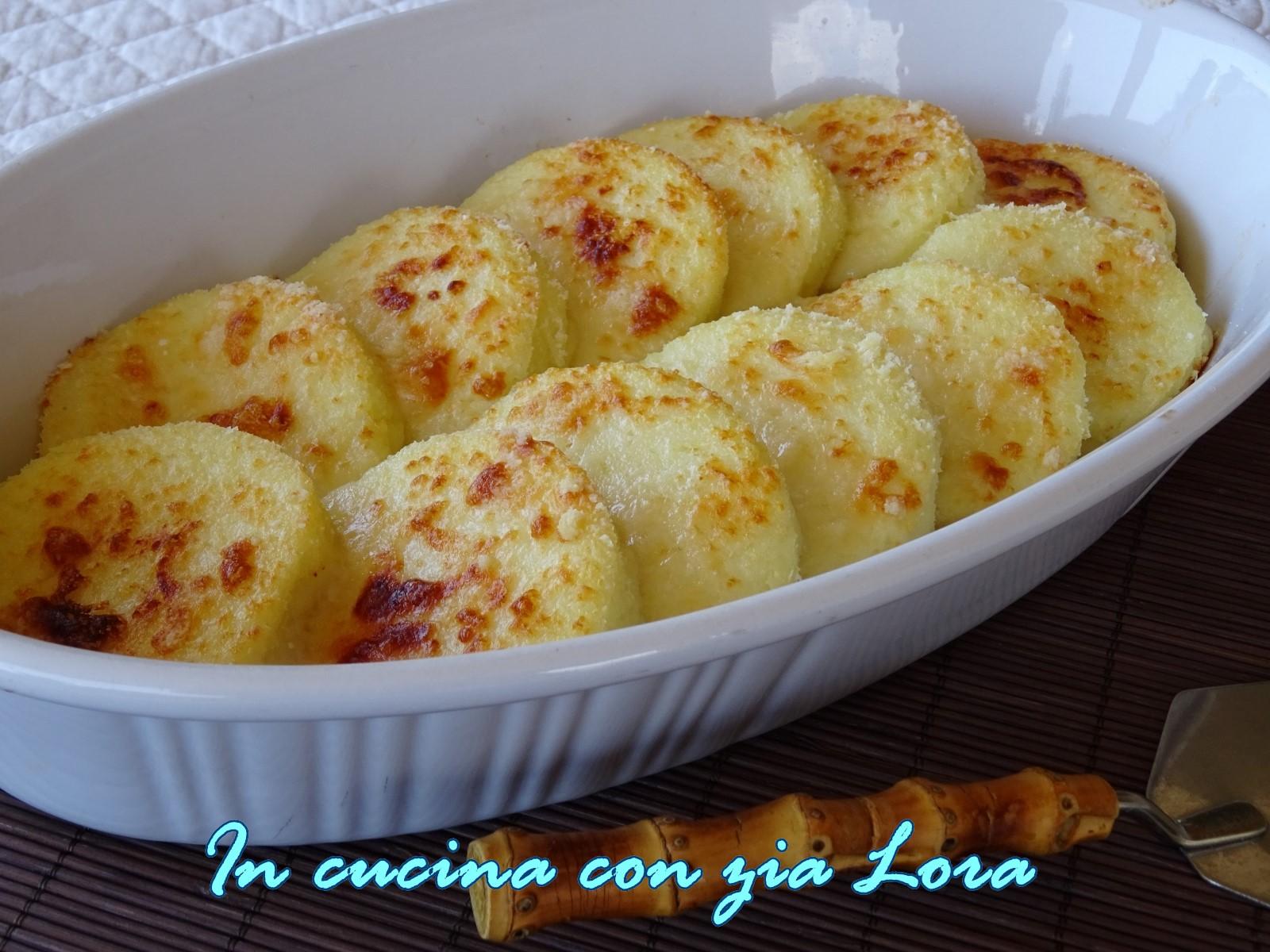 Gnocchi alla romana in cucina con zia lora - Come cucinare gnocchi alla romana ...