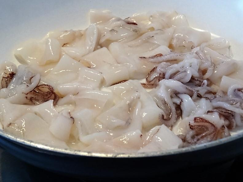 preparazione dei calamari per la calamarata facile e saporita