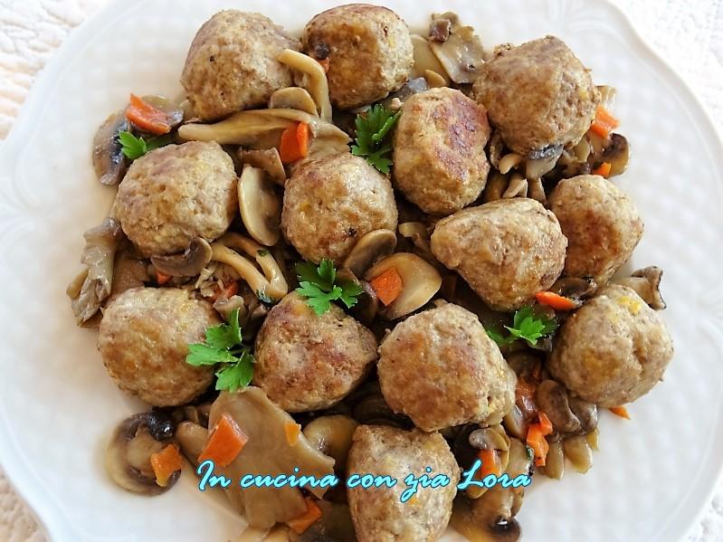Polpette di carne con funghi misti