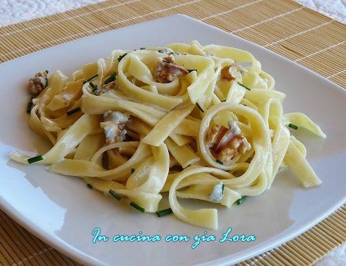 Pasta al gorgonzola e noci