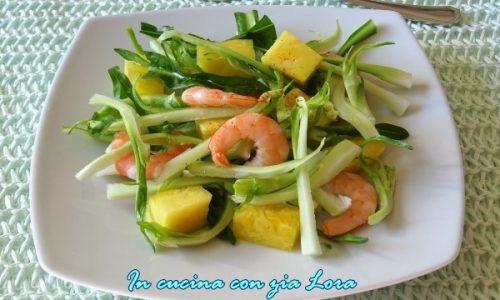 Puntarelle con gamberi e ananas