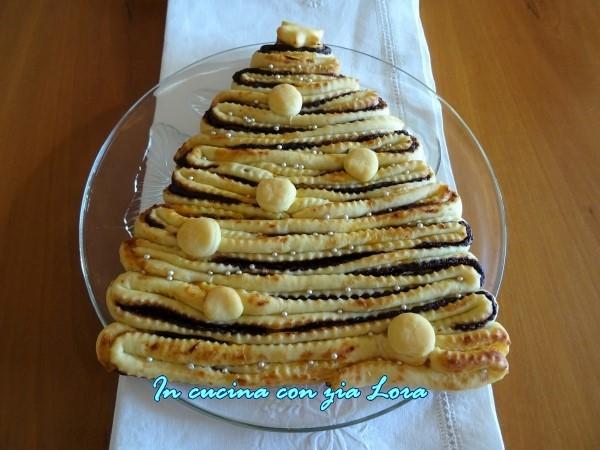 torta albero di natale con cioccolata e riduzione di arancia