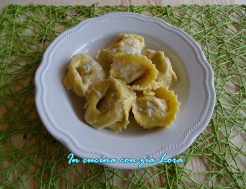 Tortelloni con crema di gorgonzola