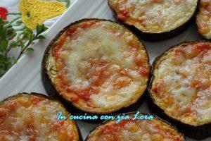 Pizzette di melanzane pomodoro e mozzarella