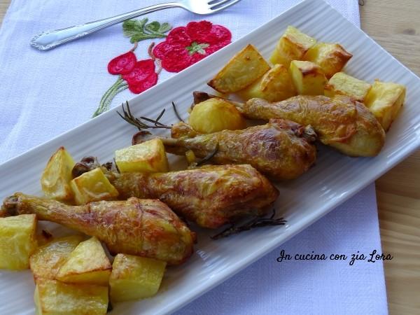 Cosce Di Pollo Con Patate Al Forno In Cucina Con Zia Lora