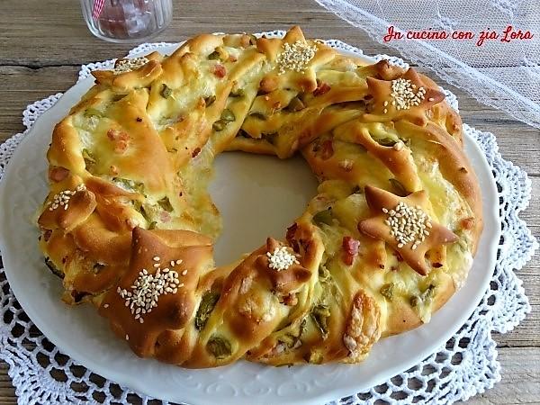 torta salata corona natalizia centrotavola