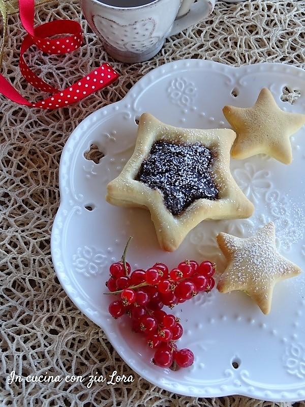 stelle con marmellata di frutti di bosco