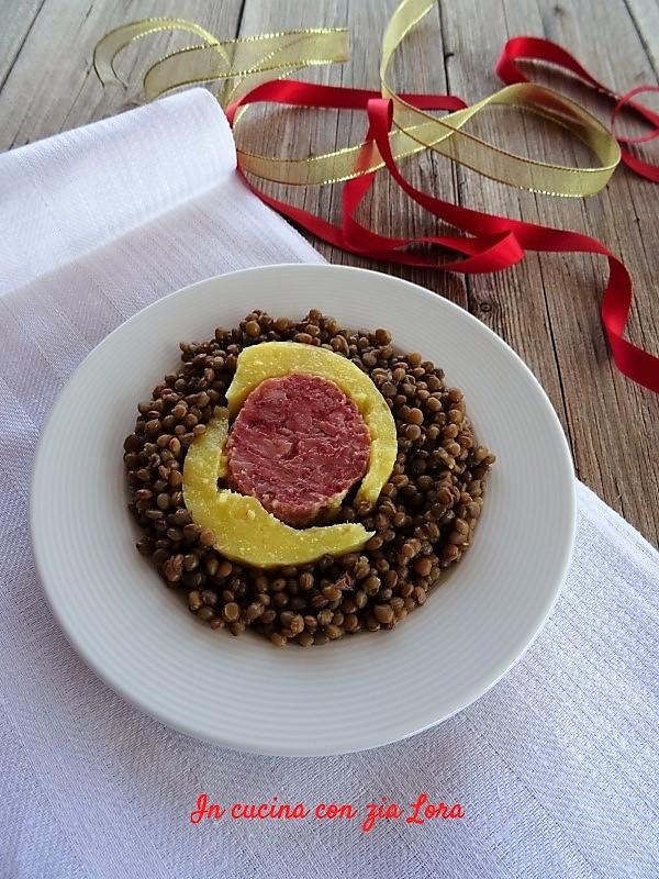 lenticchie con polenta e cotechino