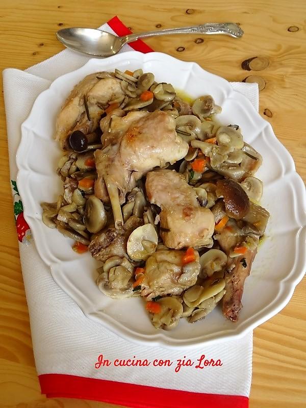 Coniglio in padella con funghi freschi - In cucina con zia Lora