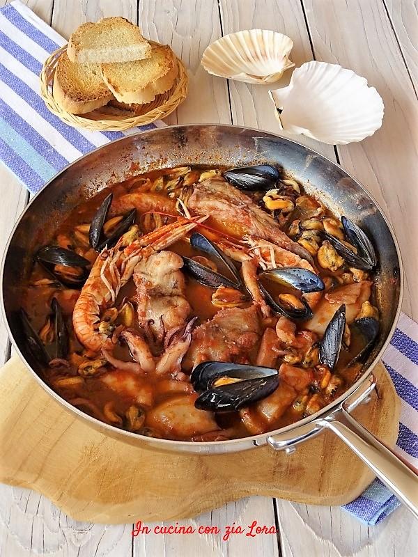 Cacciucco Di Pesce Alla Livornese In Cucina Con Zia Lora