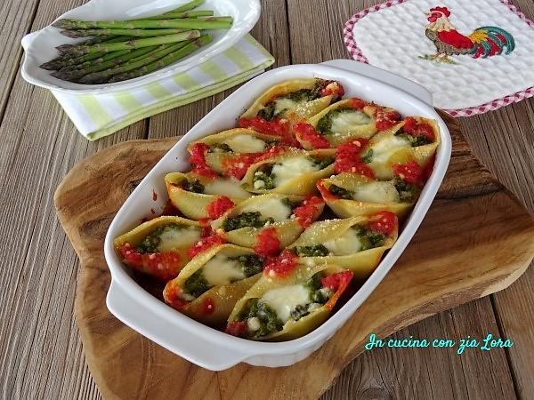 Conchiglioni ripieni di asparagi e mozzarella