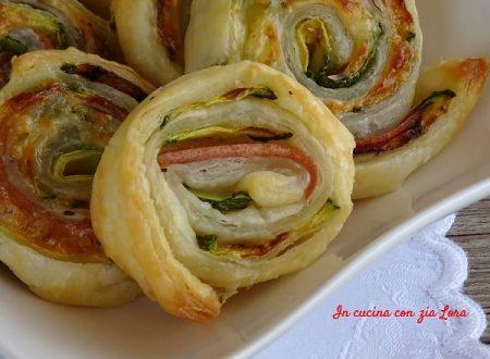 Girelle di pasta sfoglia con zucchine
