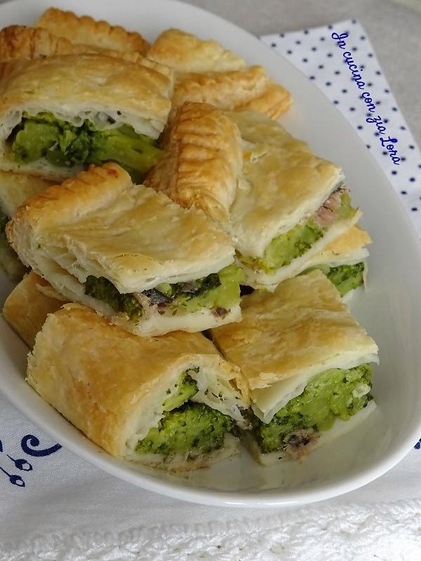 Pasta sfoglia ripiena di broccoli e alici