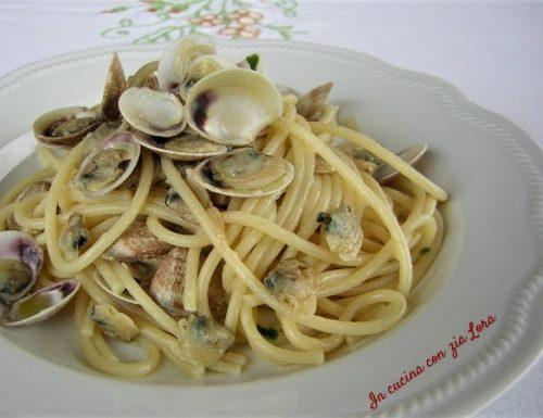 Spaghetti con le vongole ricetta facile