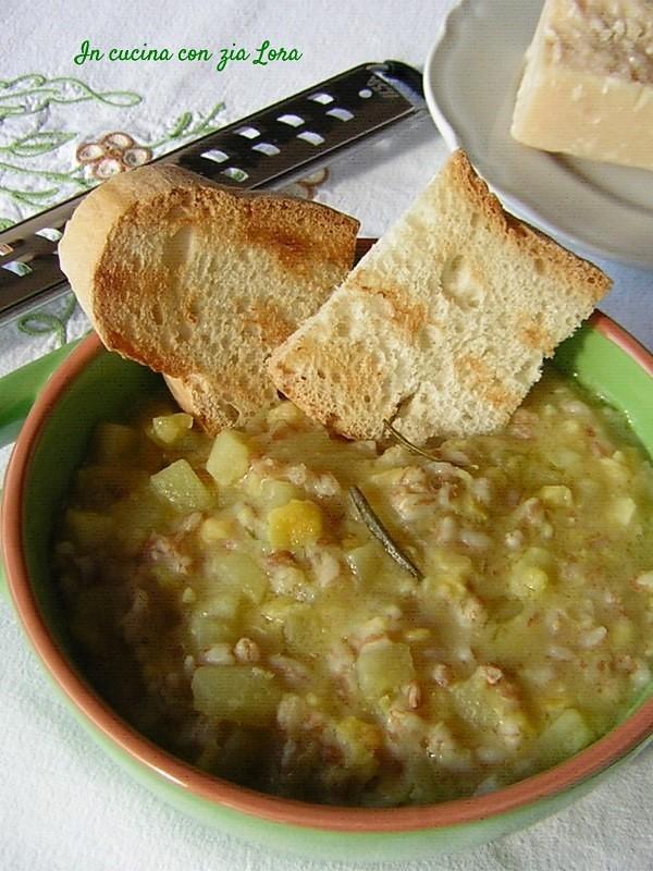 Zuppa di farro e cicerchie deliziosa