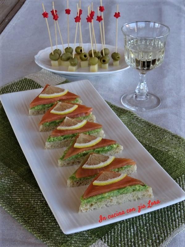 Antipasto veloce con salmone e avocado