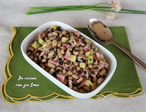 Insalata di fagioli gustosa semplice e sana