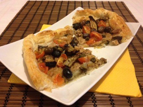 Sfoglia con tonno e olive