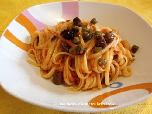Linguine con salsa di peperoni