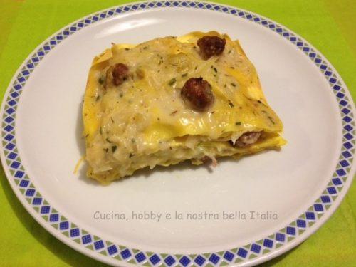 Lasagne con verza e salsiccia