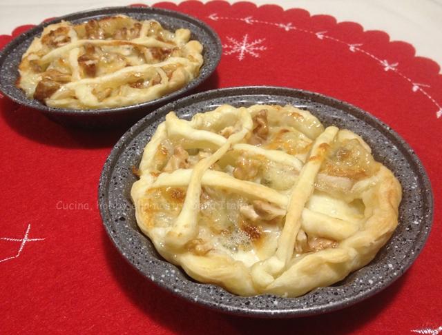 cestini di sfoglia con gorgonzola e mela