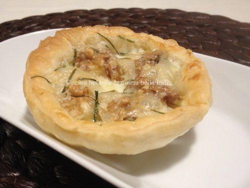 Crostatine con gorgonzola e noci