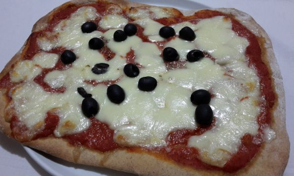 Pizza integrale alle olive