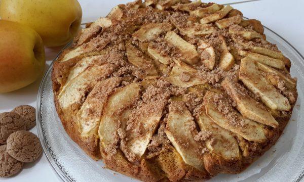 Torta integrale di mele e amaretti