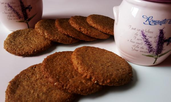 Biscotti integrali al miele e yogurt