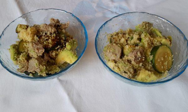 Couscous con tonno fresco, zucchine e avocado