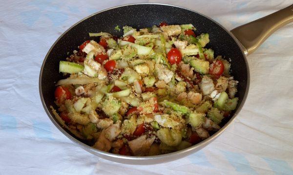 Couscous di pollo, pomodorini secchi e avocado